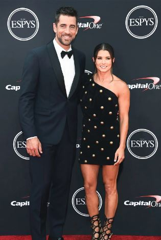 Aaron-Rodgers-girlfriend