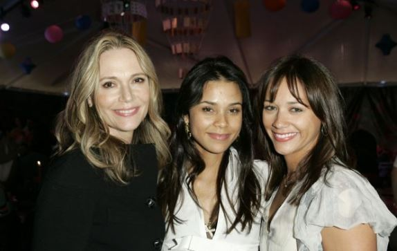 Peggy-Lipton-Daughters