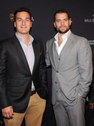 Henry-Cavill-Brother