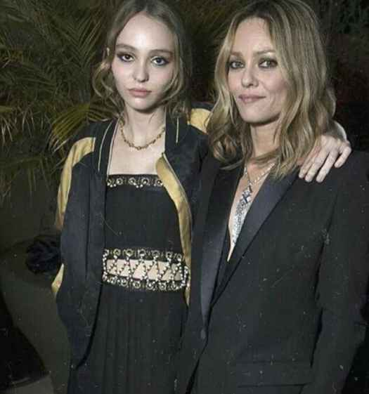 Lily-Rose-Depp-Mother